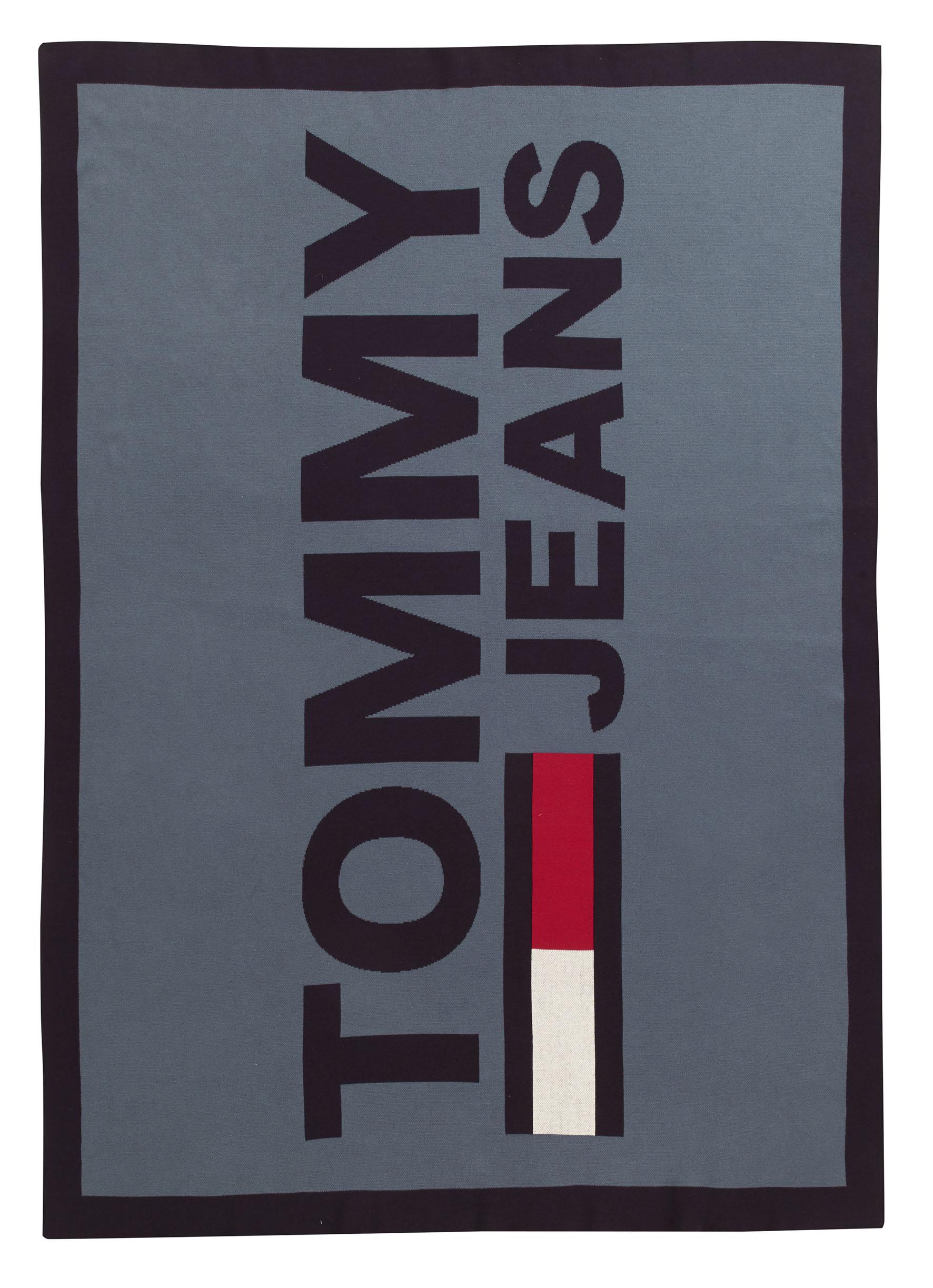 Pled Tommy Jeans TJ Logo 130x170cm albastru denim poza