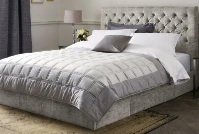 Materiale textile pentru lenjerii de pat - Ce trebuie sa alegi pentru un somn invaluit in lux?