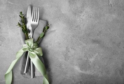 Pozitia tacamurilor la sfarsitul mesei: GHID al bunelor maniere
