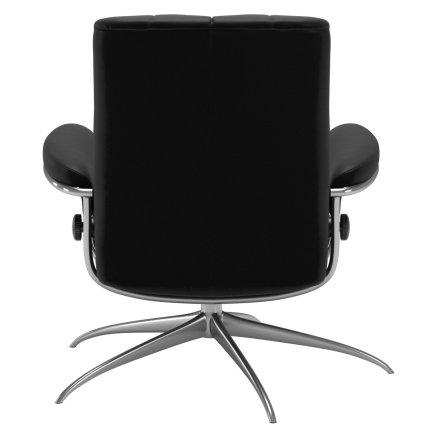 Scaun Stressless London cu spatar jos, baza inalta, cadru aluminiu negru, tapiterie piele Batik Black