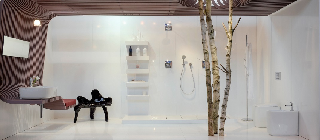 Baie cu design organic si baterii Hansgrohe