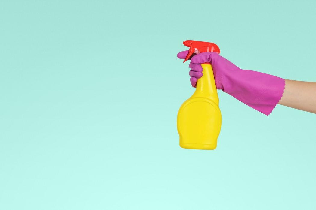 Curatarea cazii si a celorlalte obiecte sanitare