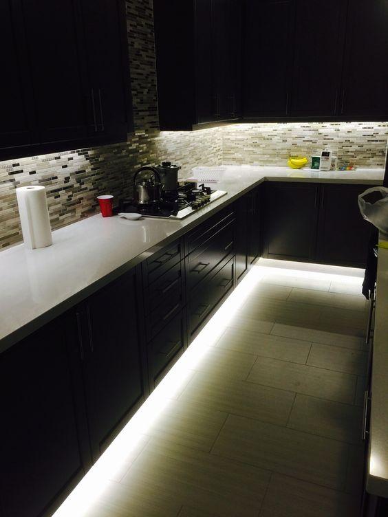 Iluminat bucatarii moderne
