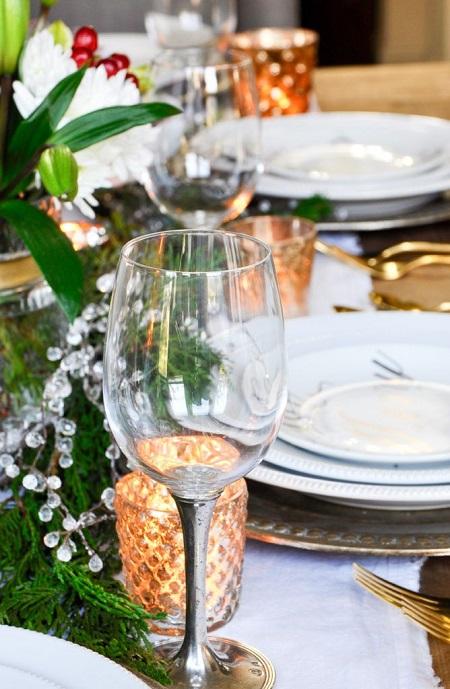 Pahare elegante pentru masa festiva